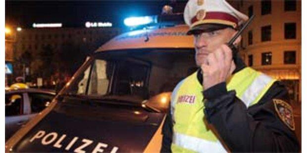 Alkoholisierter Fußgänger attackierte Polizei in OÖ