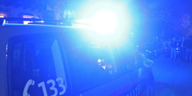 Pkw-Lenker würgt schimpfenden Fußgänger