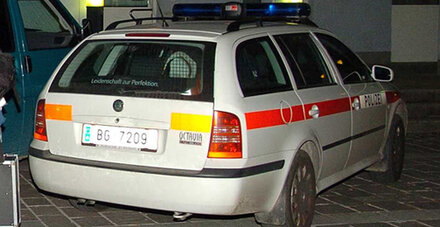 Auto Mit Zwei Jungen Mannern In Bodensee Gesturzt Ausdrucken