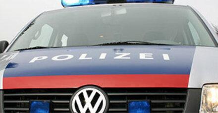 Perger attackiert Polizei mit Eisenstange