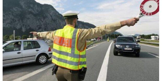 Pkw schleudert Polizist durch die Luft