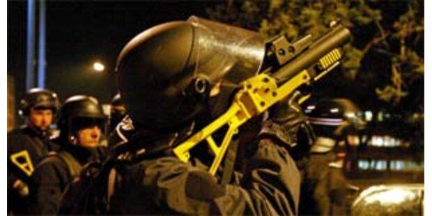 Bewaffnete Räuber erbeuten über eine Million Euro