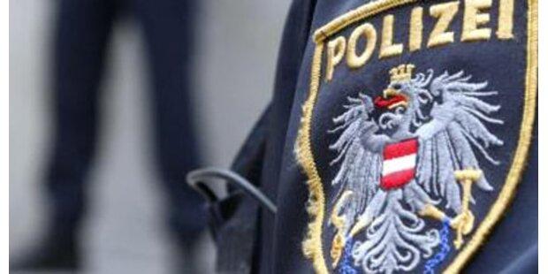 Falscher Polizist auf A13 unterwegs