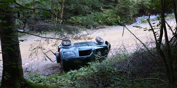 Todes-Crash: Pensionist stürzt mit Auto in Bach