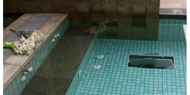Tiroler Bub trieb leblos im Pool