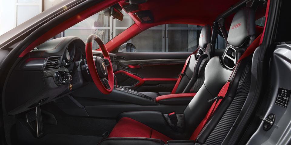 porsche-911-GT2-RS-960-of1.jpg