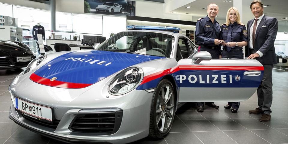 porsche-911-polizei-960-in.jpg