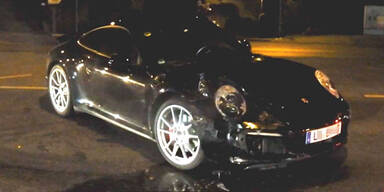 Testfahrer schrottet Porsche-Prototyp