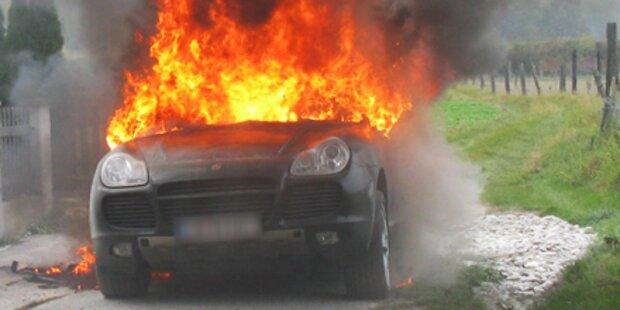 Er fackelte seinen Porsche mit Föhn ab