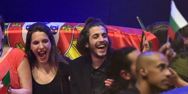ESC: Portugiesischer Schmuse-Sänger gewinnt
