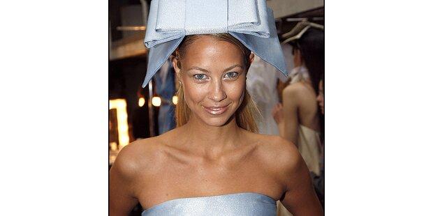 Boris Beckers Verlobte auf dem Laufsteg in Paris