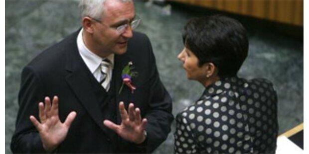 Prammer stellt Mitarbeiter Grafs in Frage