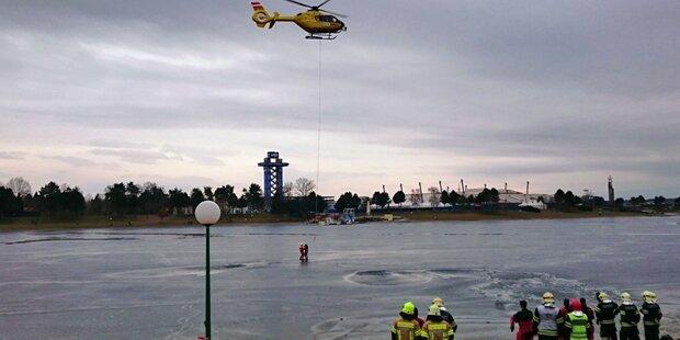 Asylwerber brachen im Eis ein