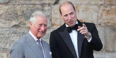 Royals: Charles und William im 007-Fieber