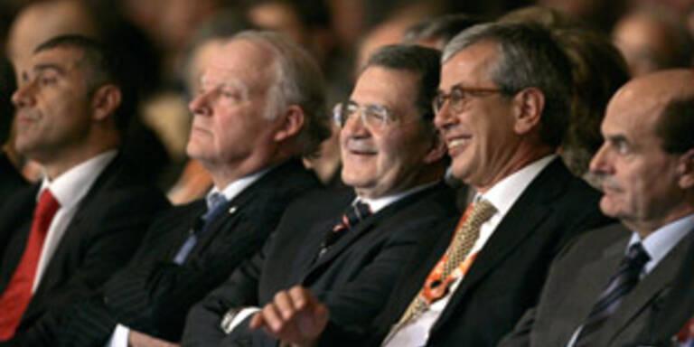 Italiens Regierungschef Romano Prodi (3.v.l.)eröffnete den 20. Weltenergiekongress