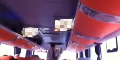 Aus Versehen Porno in Bus abgespielt