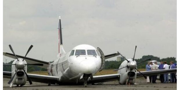 Flugzeug über Siedlung abgestürzt