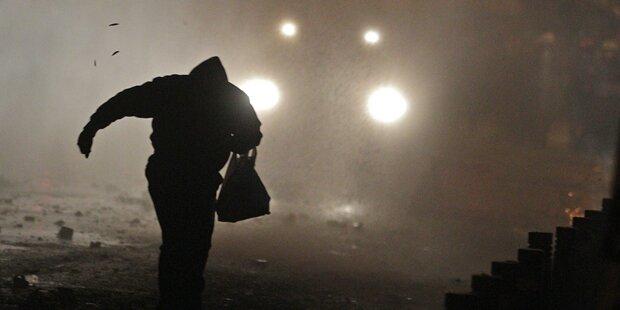 Athen: Autonome wüten gegen Sparprogramm