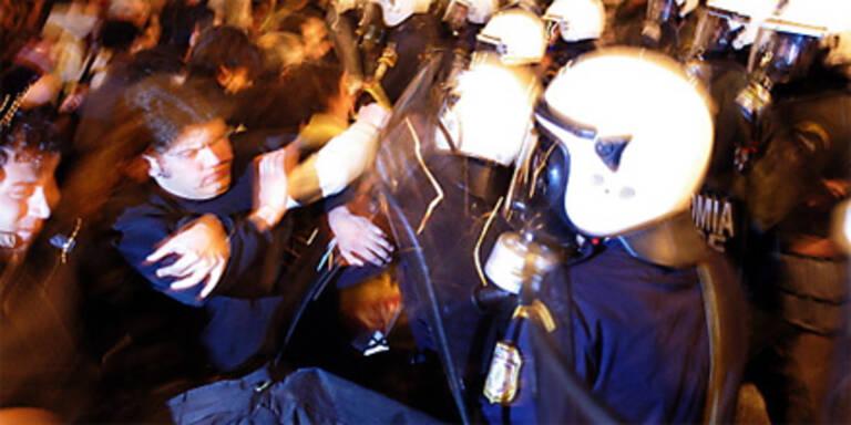 Polizei löste Protest mit Tränengas auf