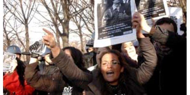 Politiker protestieren gegen Gaddafi-Besuch