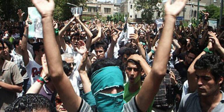 Erneut Gewalt auf Teherans Straßen