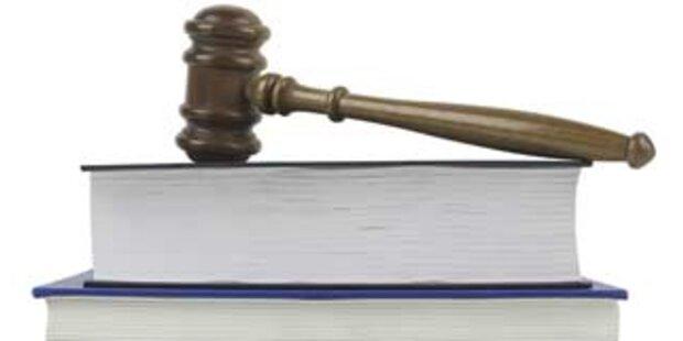 Schöffin schrieb Liebesbrief an Angeklagten