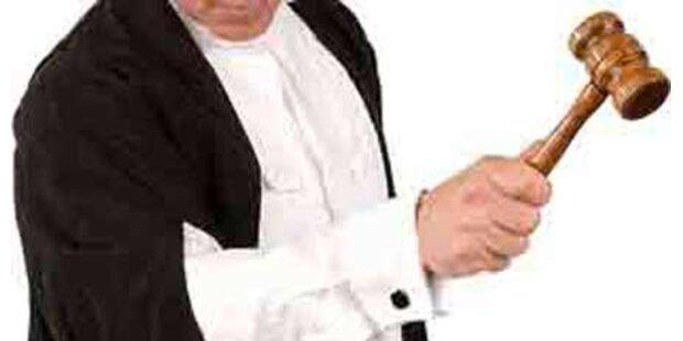 Besoffener Anwalt bei Missbrauchsprozess