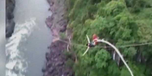 Bungee-Seil reißt mitten im Sprung