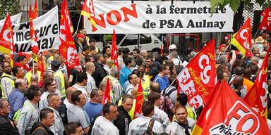 Streik vor PSA Aulnay-sous-Bois