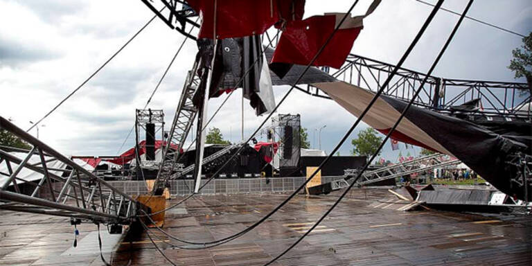 Bühne bei Festival eingestürzt - Tote