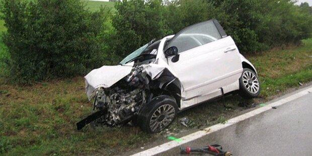 Frontal-Crash: Toter und Schwerverletzte