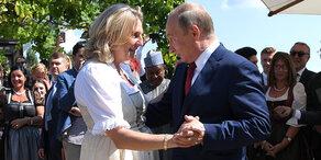Putins Kurzbesuch bei der Kneissl-Hochzeit