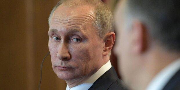 Frau bekam geheime Putin-Info per E-Mail