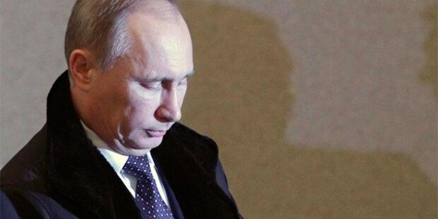 Putin-Partei rettet Absolute