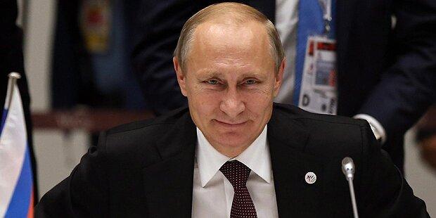 Putin lässt seine Truppen aufmarschieren