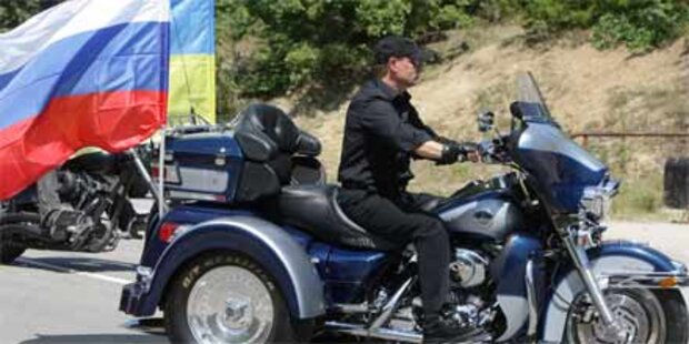 Putin ritt auf einer Harley-Davidson