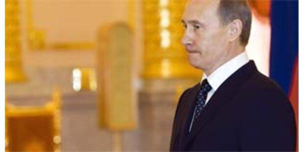 Putin nimmt Füllfeder aus dem Kreml mit
