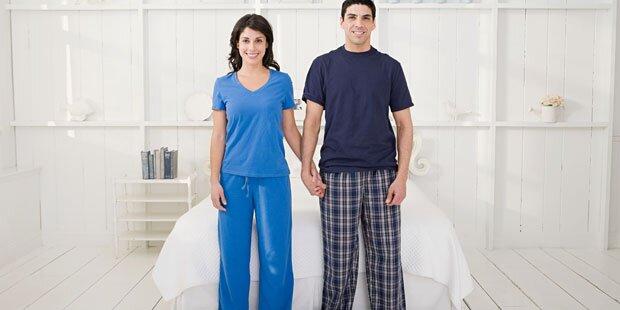 wie oft wechseln sie ihren pyjama. Black Bedroom Furniture Sets. Home Design Ideas