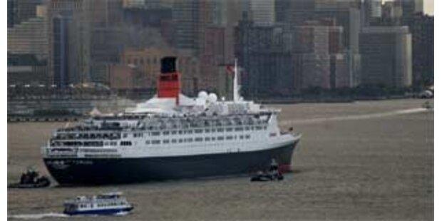 Luxuskreuzer QE2 lief vor Heimathafen auf Grund