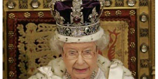 Queen trägt Browns Regierungsprogramm vor