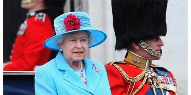 Prächtige Parade für die Queen