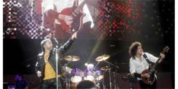 Lettischer Premier bei Queen-Konzert am Schlagzeug