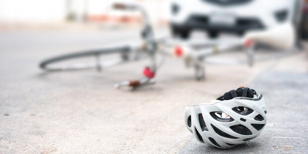 Hund fiel Radlerin an: Pensionistin tot