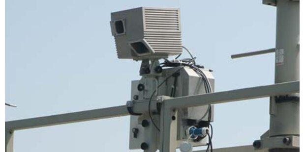 Autobahn-Videos gg Verbrecher einsetzen