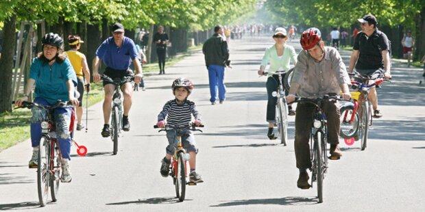 Radfahrer rammt Kind - Vater rastet aus und schlägt zu