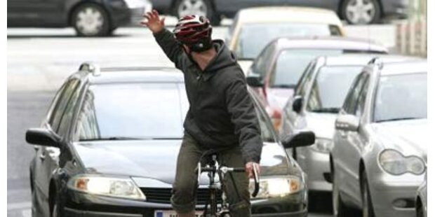Radfahrer verprügelte Bus-Lenker