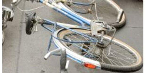 69-Jährige stürzt tödlich vom Rad