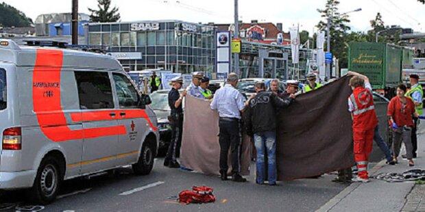 Salzburg: Radfahrerin von Lkw erfasst - tot