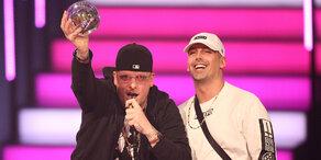Rapper-Duo Bonez MC & RAF Camora hat 13 Songs in Top 14