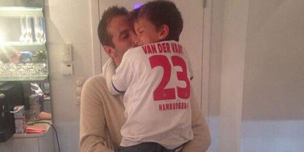 Rafael: Süßes Knuddelfoto mit Damian